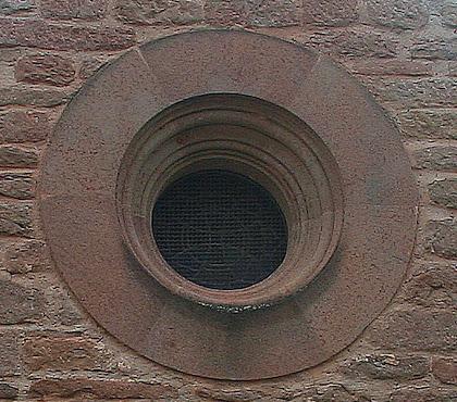 Ull de bou sobre la porta de Sant Esteve. Autor: Carlos Albacete