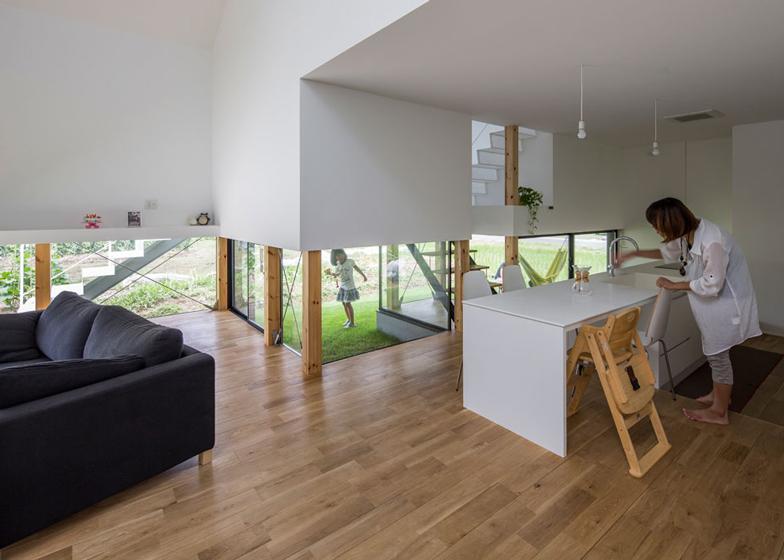 Keitaro muto architects kawate house arc art blog by for Piani casa a trave aperta