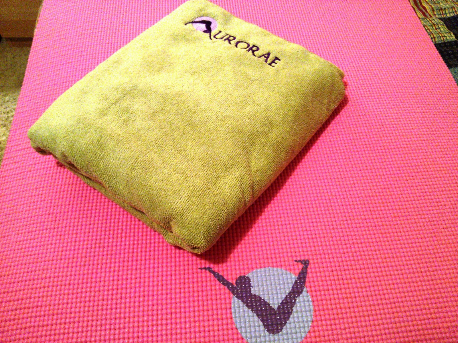 Aurorae's Sport/Yoga Mat Towel Review