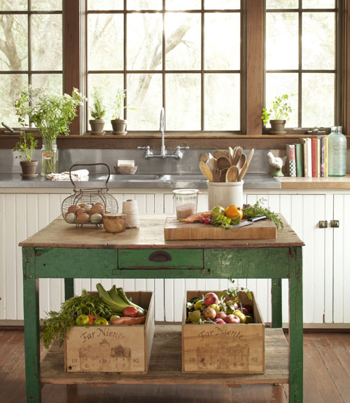Country style interior heaven for Country kitchen island designs