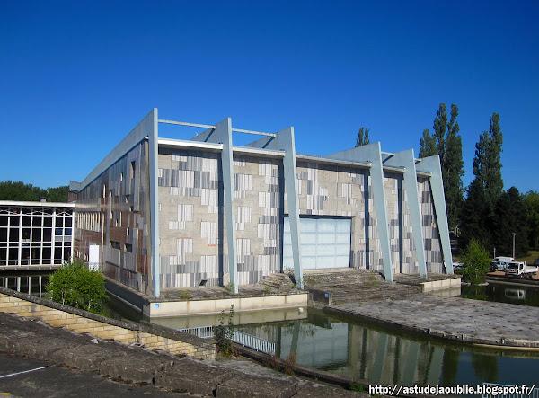 Marol - astudejaoublié - vichy - architecture Vichy - Parc Omnisports Pierre Coulon, Maison internationale des Jeunes et de la Culture (MJC), théâtre de verdure.   Architectes: Louis Marol, Yervante Toumaniantz