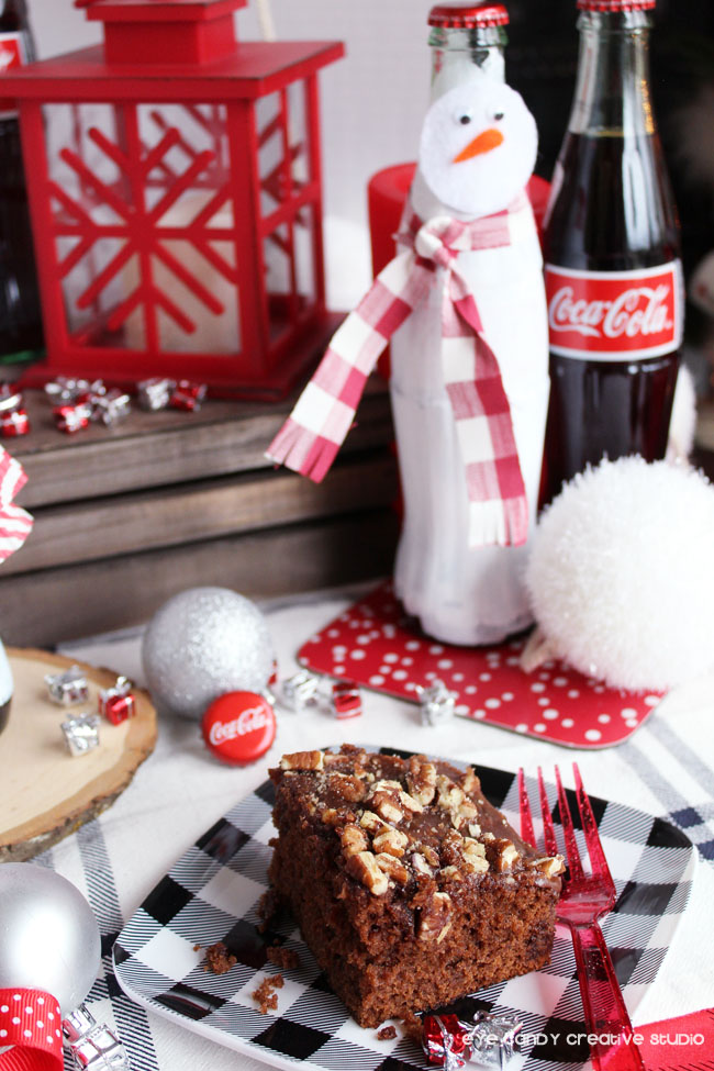 coca cola bottles, snowman bottle craft, coca cola cake, winter table
