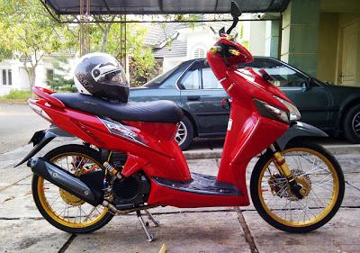 Modifikasi Honda Vario CW Red Style Nampak Belakang