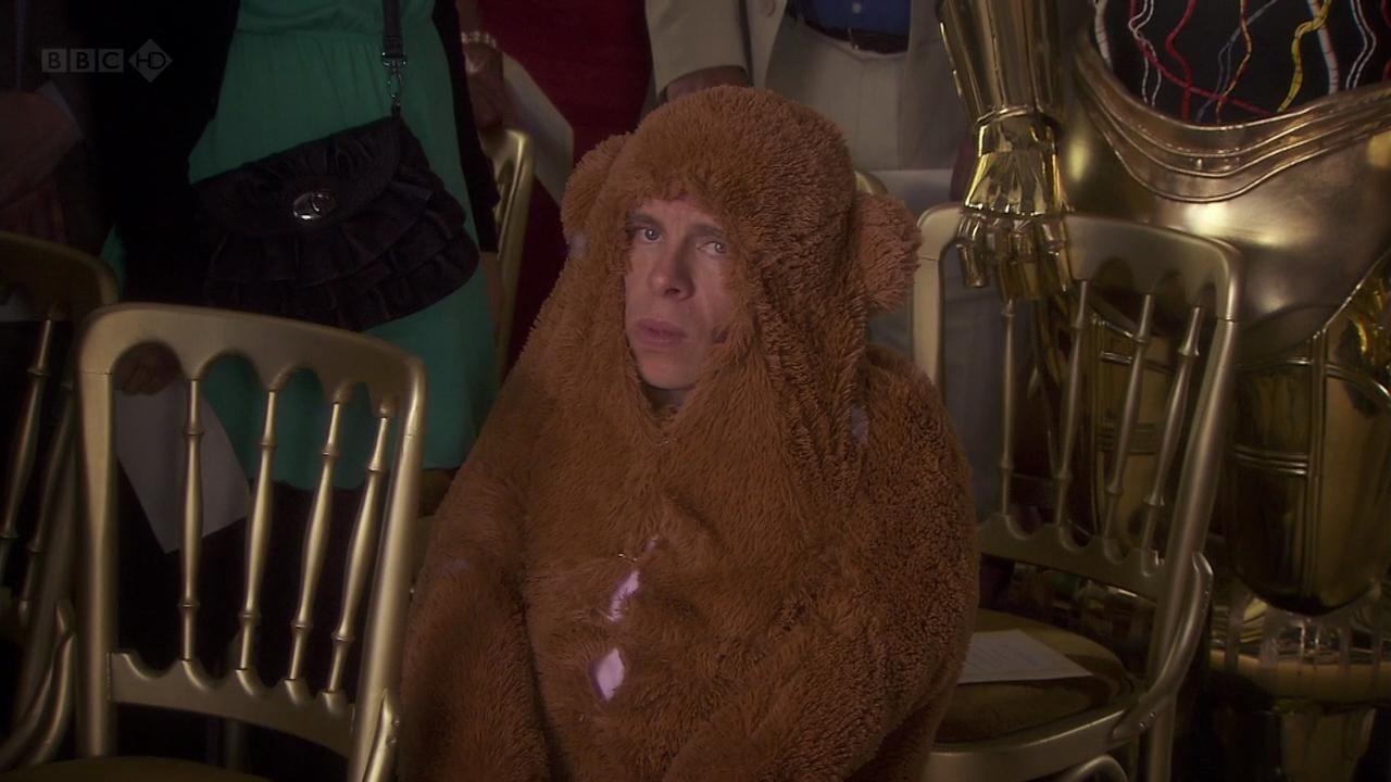 Warwick-Davis-bear-costume-ewok-wedding-funny.png