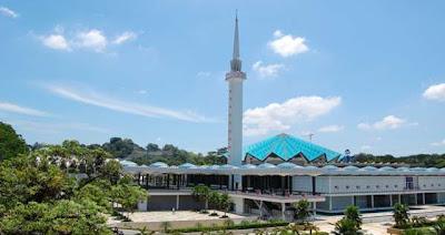 "<a href="" http://3.bp.blogspot.com/-1VZ_6PnTj7w/USNJLyZkuPI/AAAAAAAAB9A/wfnzO2Tnuo8/s400/Masjid+Termegah+dan+Terbesar+di+Dunia9.jpg""><img alt=""Tempat beribadah umat islam, Masjid Termegah dan Terbesar di Dunia, Masjid Negara di Malaysia"" src="" http://3.bp.blogspot.com/-1VZ_6PnTj7w/USNJLyZkuPI/AAAAAAAAB9A/wfnzO2Tnuo8/s400/Masjid+Termegah+dan+Terbesar+di+Dunia9.jpg""/></a>"