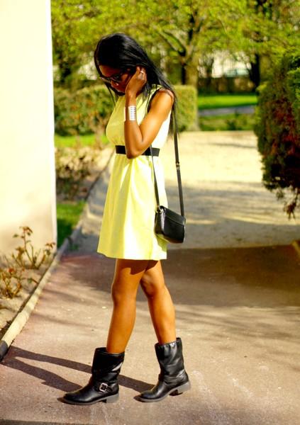 Vos blogs et sites de mode préférés - Page 2 Robe-babydoll-bottes-motardes-stylesbyassitan-3--