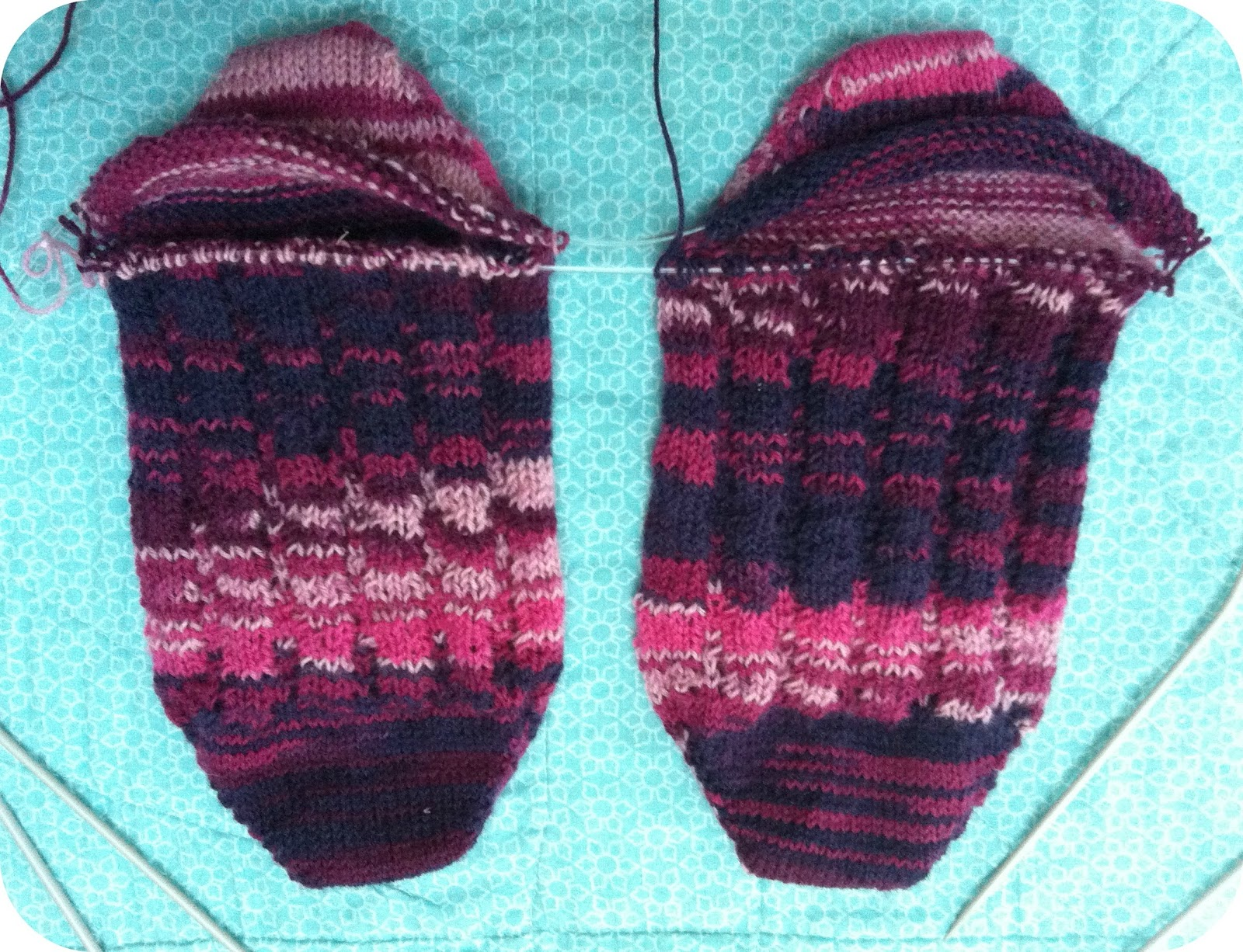 Picking Up Stitches In Knitting Socks : Rose & Dahlia: Next Step Socks Update
