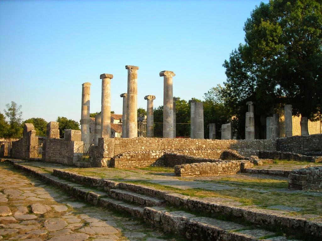 Colonne di un antico tempio