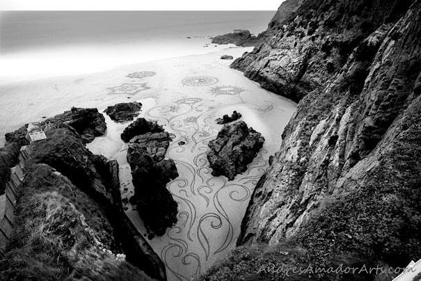 Lukisan Menakjubkan Di Atas Pasir Qwqqw