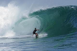 Pantai Pelengkung – 7 Fakta Unik Indonesia yang Mendunia
