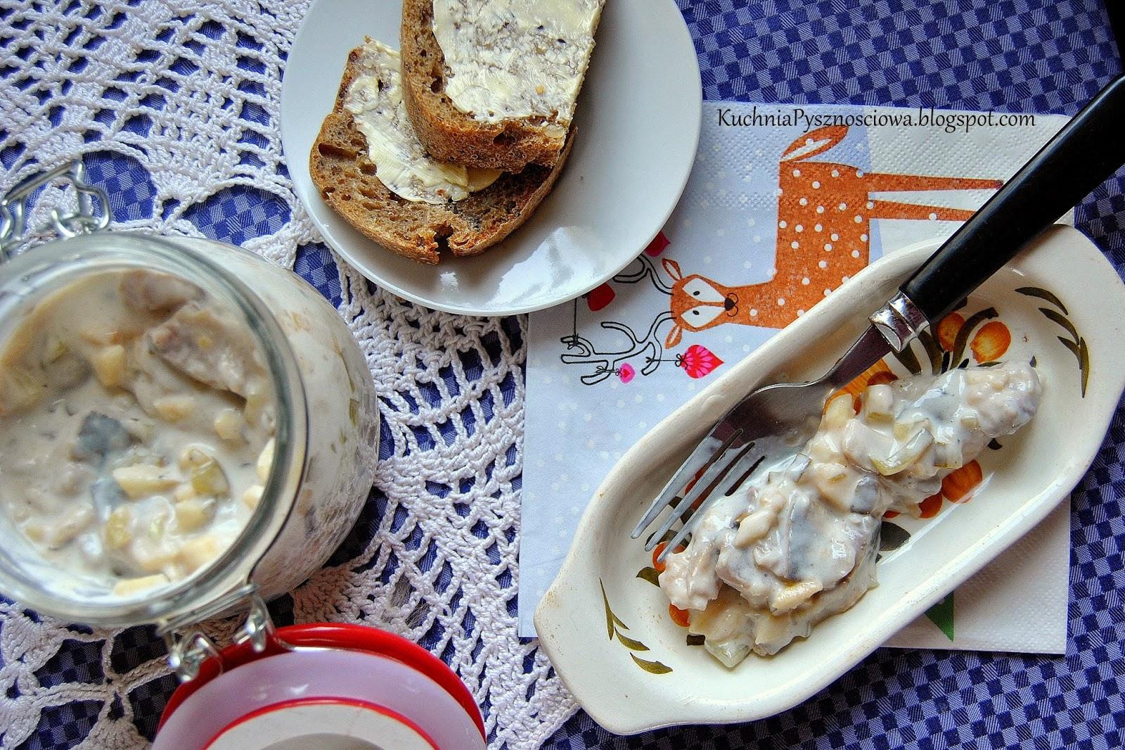 283. Świąteczne śledzie w sosie z maślanki i jogurtu