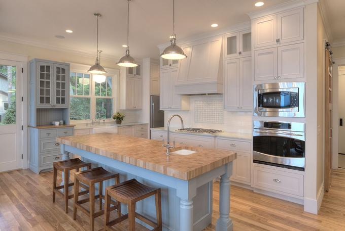 Suaves tonos tostados en un salon y cocina integrados - Cocina salon comedor integrados ...