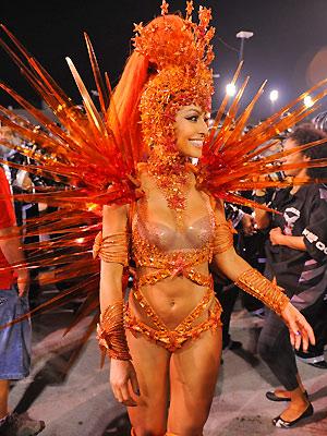 Sabrina Sato, godmother of battery Hawks Raul Zito/G1, at Anhembi for the Hawks parade of loyal Raul Zito / G1, Posted on 19th Feburary /2012, 7:59 am.