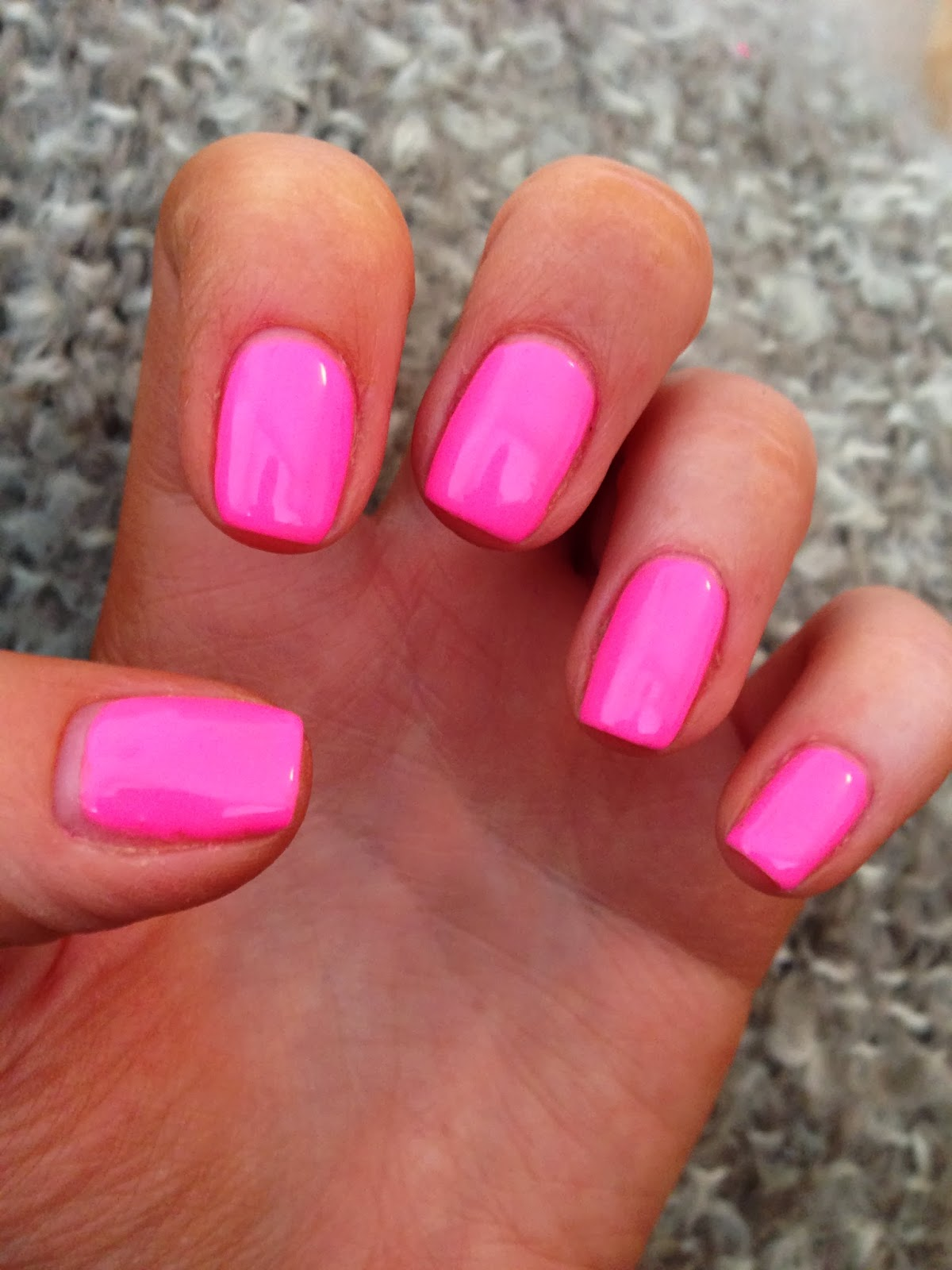 NailsByNumbers: NOTD! Gelish \'Make you Blink Pink\' - Neon Pink