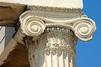 capitel de orden jonico. grecia. arquitectura de grecia antigua. el arte en grecia