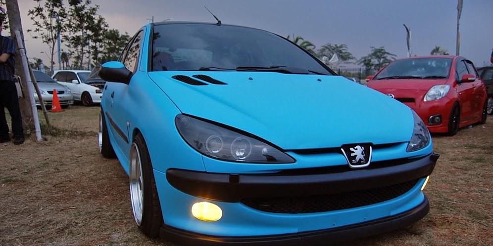 Modifikasi Mobil Peugeot 206 Harian Bergaya Stance