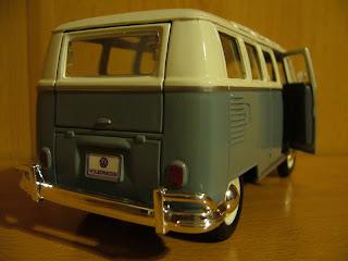 maisto 1:25 Volkswagen Kombi