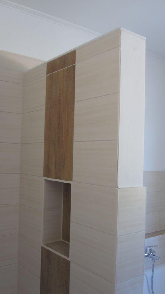 Trennwand Zwischen Dusche Badewanne : Und die Trennwand zwischen Dusche und Badewanne hat heute ihren oberen