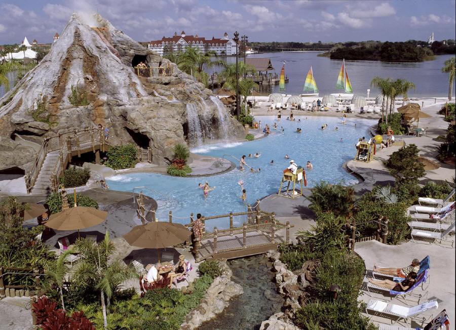 http://3.bp.blogspot.com/-1WwB3dRFT24/Uhd4sWaFwWI/AAAAAAAAAEw/6NltVDH1TYk/s1600/Walt+Disney+World+Resort.jpg