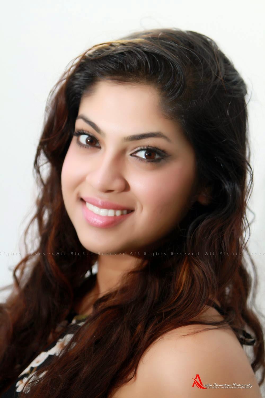 Raini Charuka Goonatillake singer