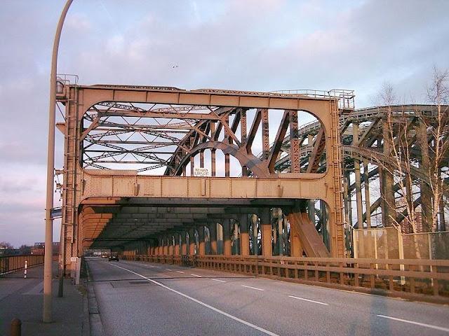 جسور+ثقف+نفسك+4 مدينة الجسور في هامبورغ