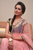 Madhu Shalini at Cheekatirajyam success meet-thumbnail-8