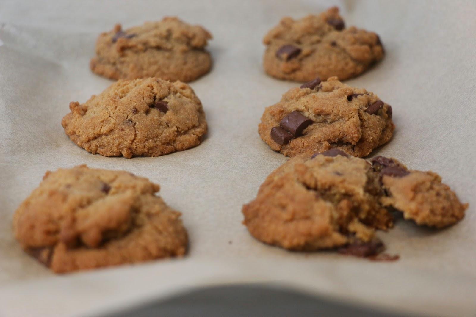 Midnight Baking: Vegan Gluten Free Chocolate Chip Cookies