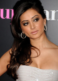 Noureen DeWulf Hot Images | Photos | Wallpapers