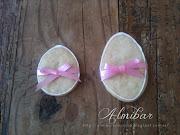 .si le pones un lazo en el cuello del conejo de Pascua, queda muy bonita . image