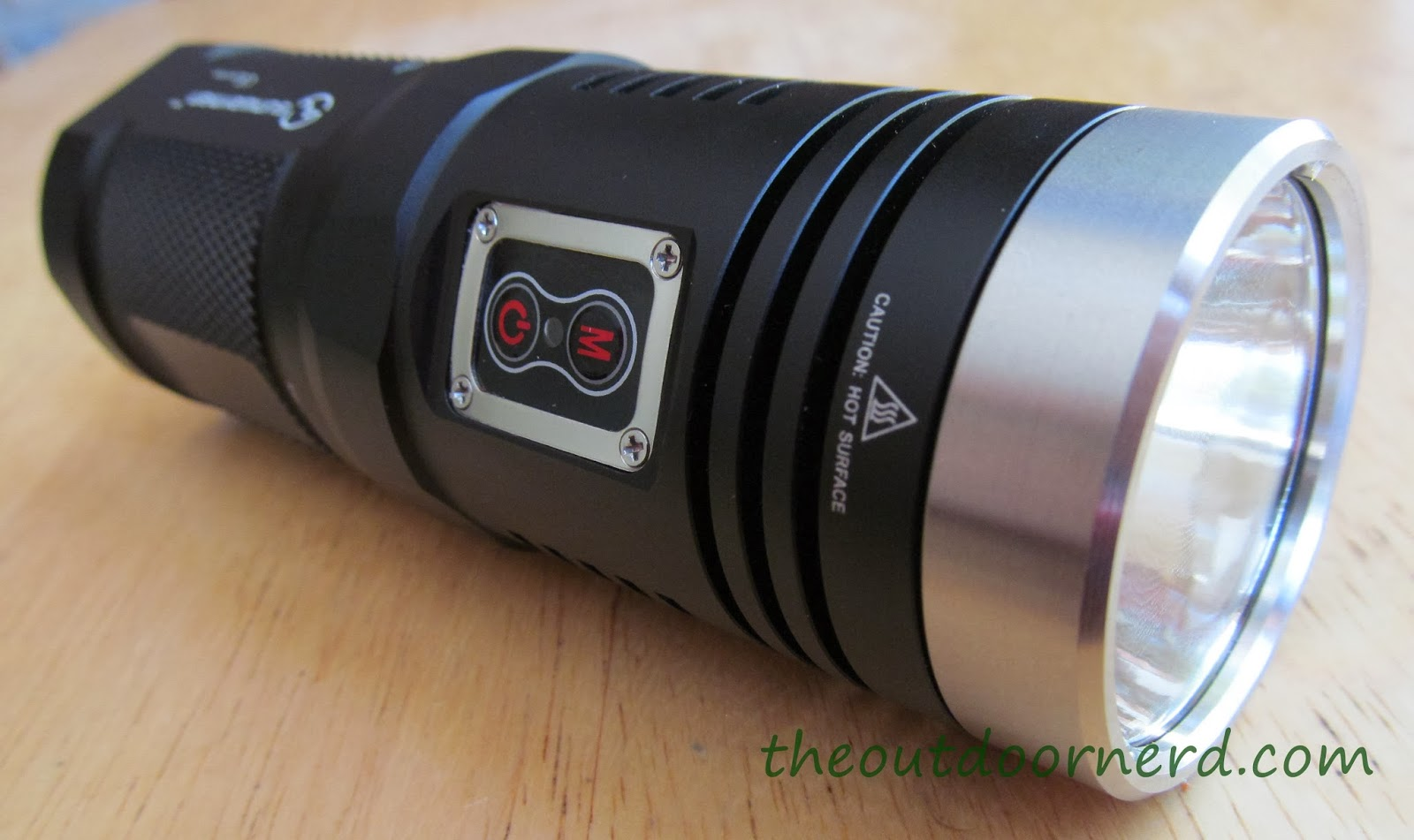 Sunwayman D40A 4xAA Flashlight