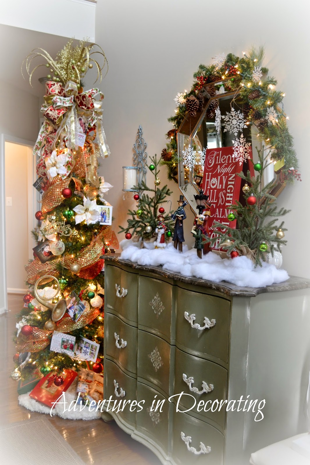 Adventures in decorating our christmas foyer for Foyer christmas decorating ideas