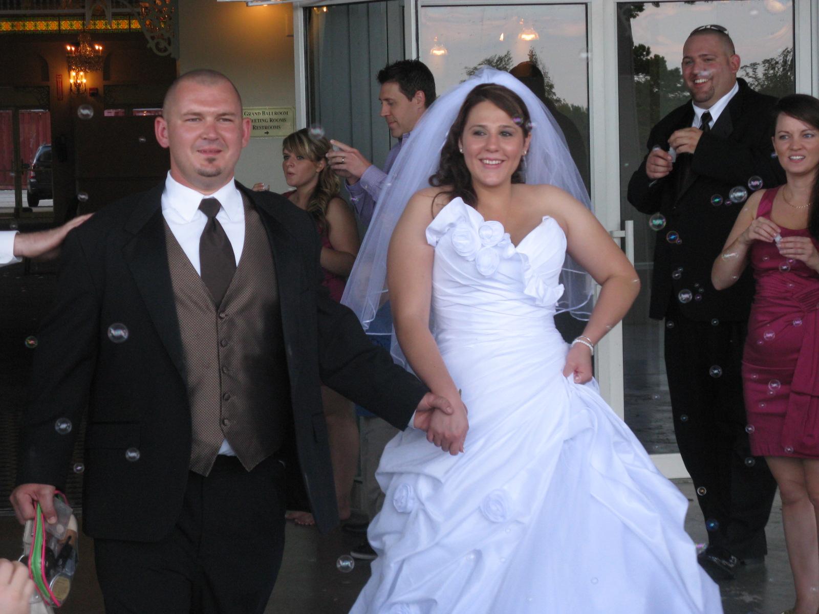 http://3.bp.blogspot.com/-1Xt9ysz6t8c/Tm0Q1278m1I/AAAAAAAAAOo/w_WluiQ1OOY/s1600/Christen+%2526+Andrew%2527s+Wedding+190.JPG