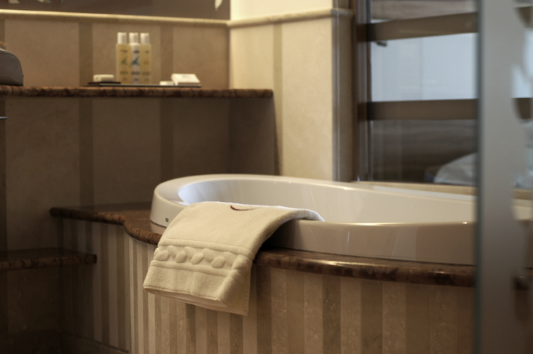 lefay resort bagno camera