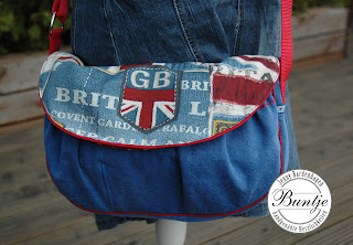 Handtasche Jeans recycline Upcycling London UK Great Britain handmade Farbenmix Taschenspieler Dame