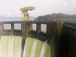 Waduk Jatiluhur terletak di Kecamatan Jatiluhur, Kabupaten Purwakarta