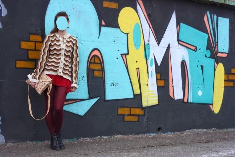 graffiti, outfit, bordeaux, brown