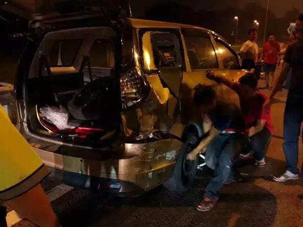 (Video) Lumba Haram Di Lebuhraya KESAS - INSIDEN NGERI