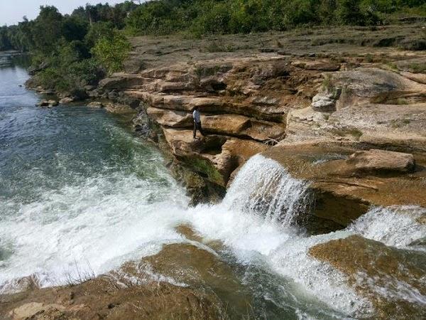 Jamjir Waterfall photo