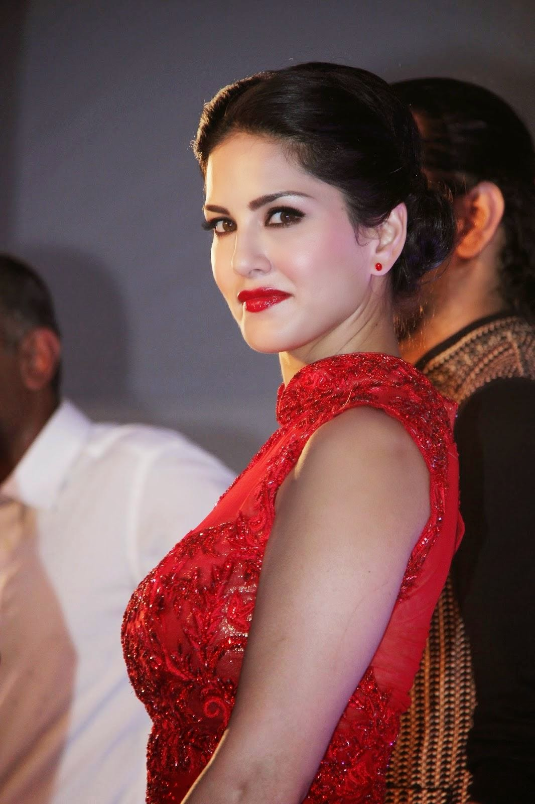 Sunny-Leone-At-Splitsvilla-7-launch-1