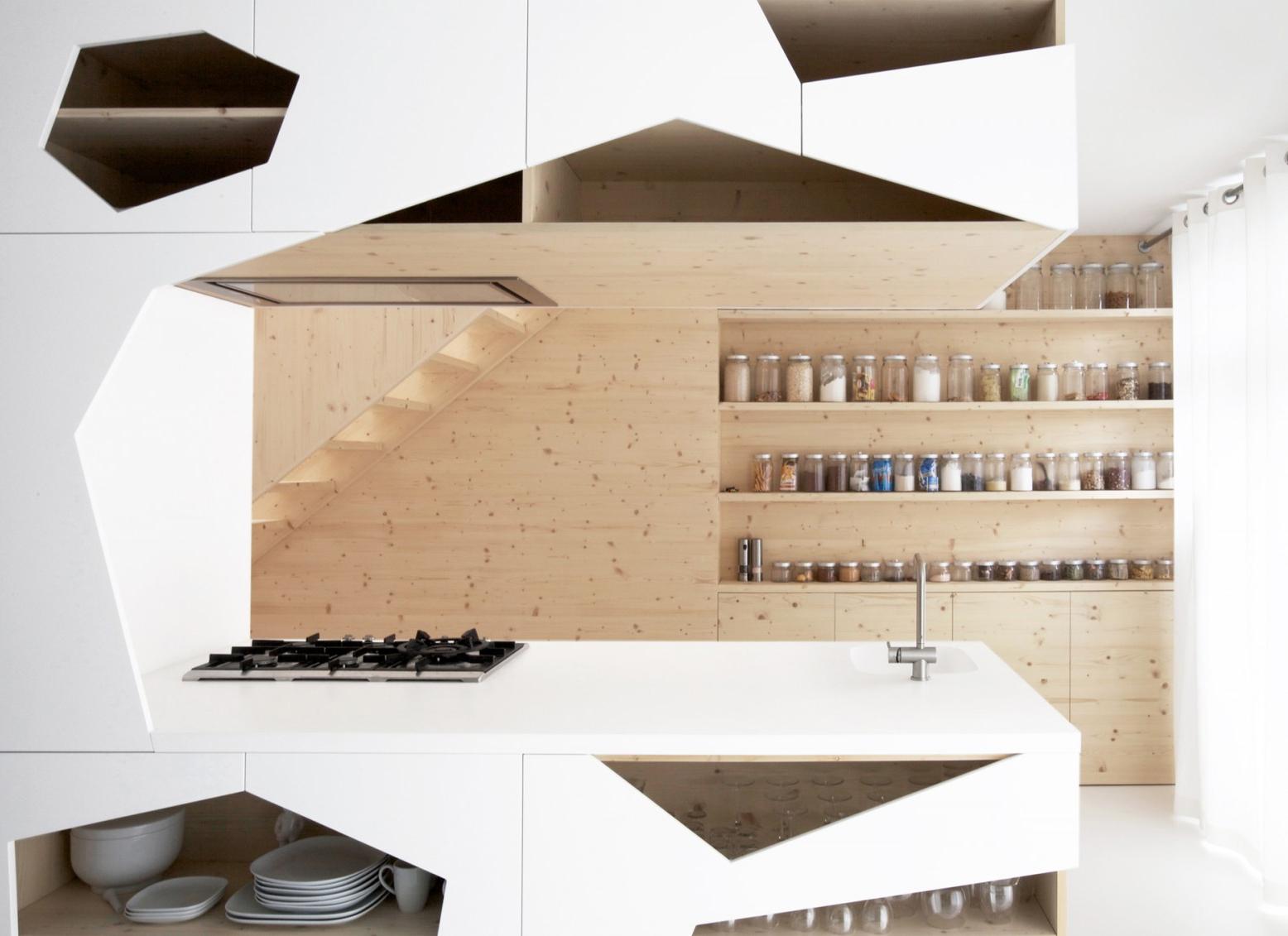 anda pada artikel Desain Rak Dapur Terbuka dan Kabinet Dapur Modern