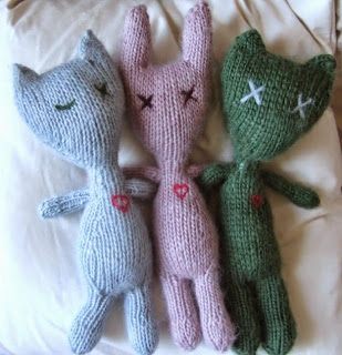 http://www.ravelry.com/patterns/library/stuffies#