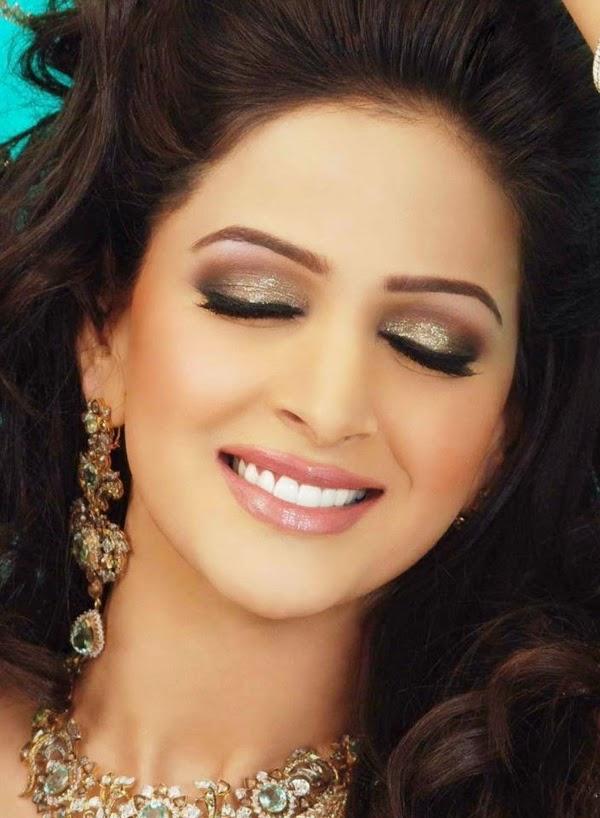 Saba Qamar HD Wallpapers Free Download