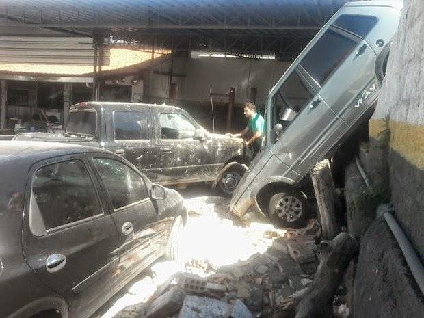Acidente assustou funcionários de uma oficina mecânica