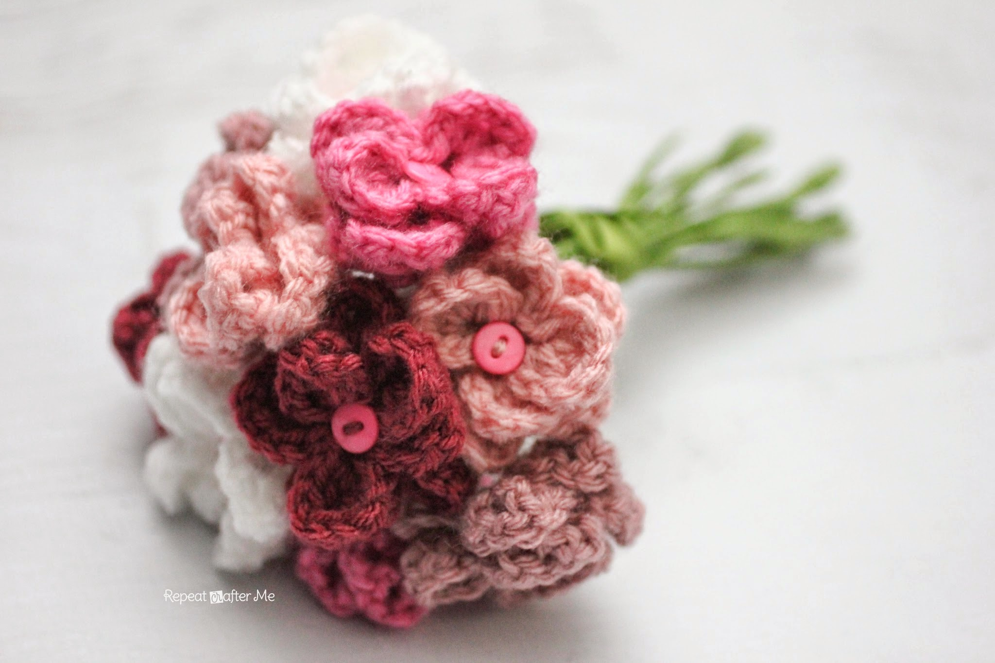 Crochet Me : Once you make a bunch of these, you can tie the stems together with ...