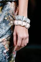 Големи гривни на кубчета Bottega Veneta пролет-лято 2013