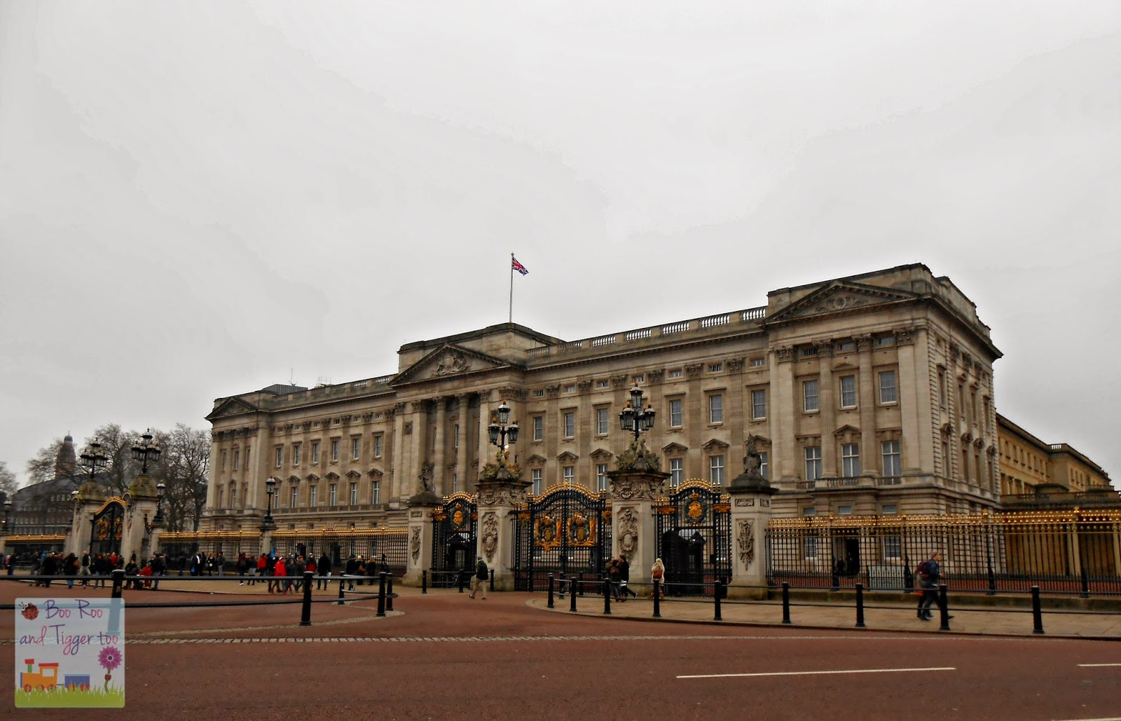 photo of the week silentsunday buckingham palace. Black Bedroom Furniture Sets. Home Design Ideas