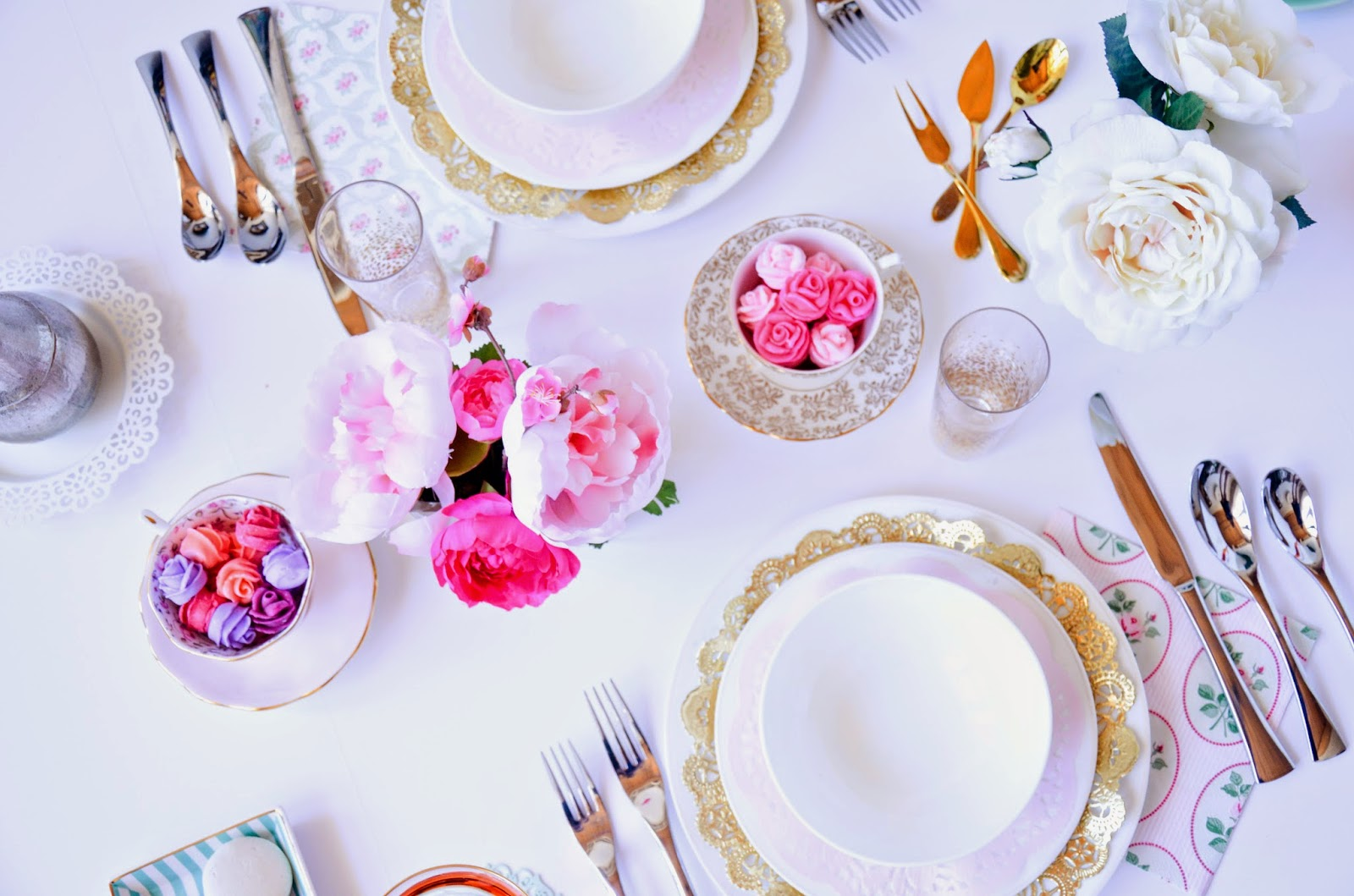 Easter brunch ideas: Pretty pastels and gold accents table scape settings
