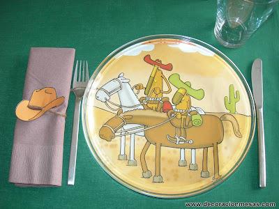 decoracion mesa cumpleaños vaqueros servilleteros