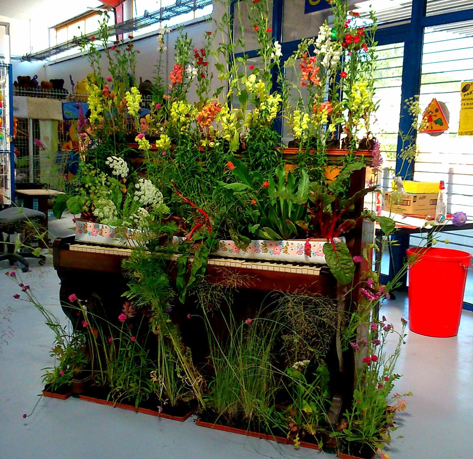 Cahors juin jardins le festival qui cultive l 39 art le for Cahors jardin juin 2015