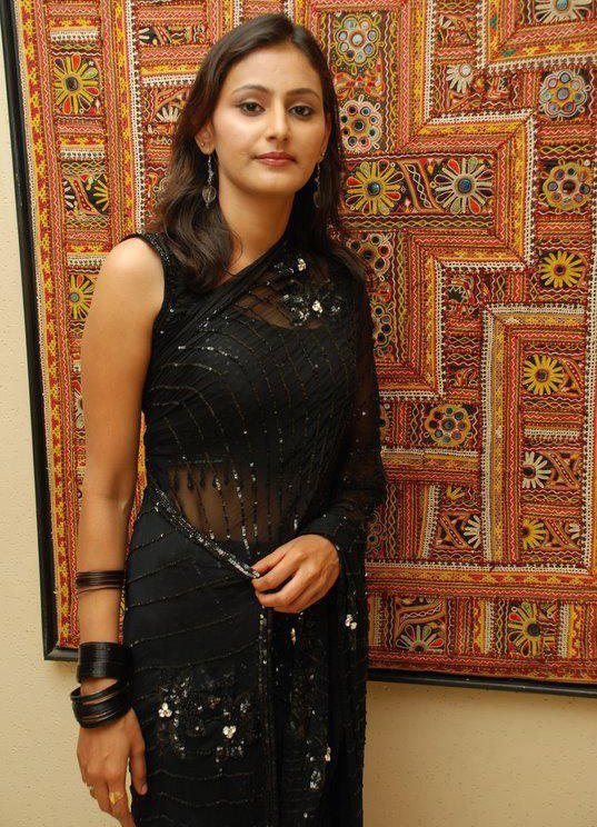 Images Of Hot Tamil Aunties Picture In Bedroom Aunty Pictures